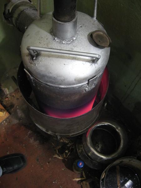 Připojte propanovou nádrž k ohřívači vody